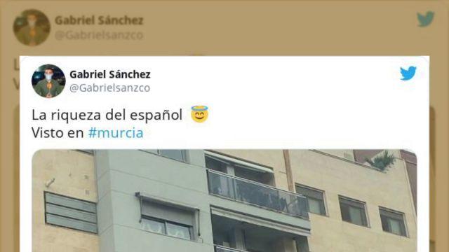 El mensaje en un balcón de Murcia que despide el 2020 triunfa en Twitter