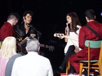 Daniel Oviedo, de Gemeliers, y Nerea Rodríguez emocionan como Elvis Presley y Martina McBride con 'Blue Christmas'
