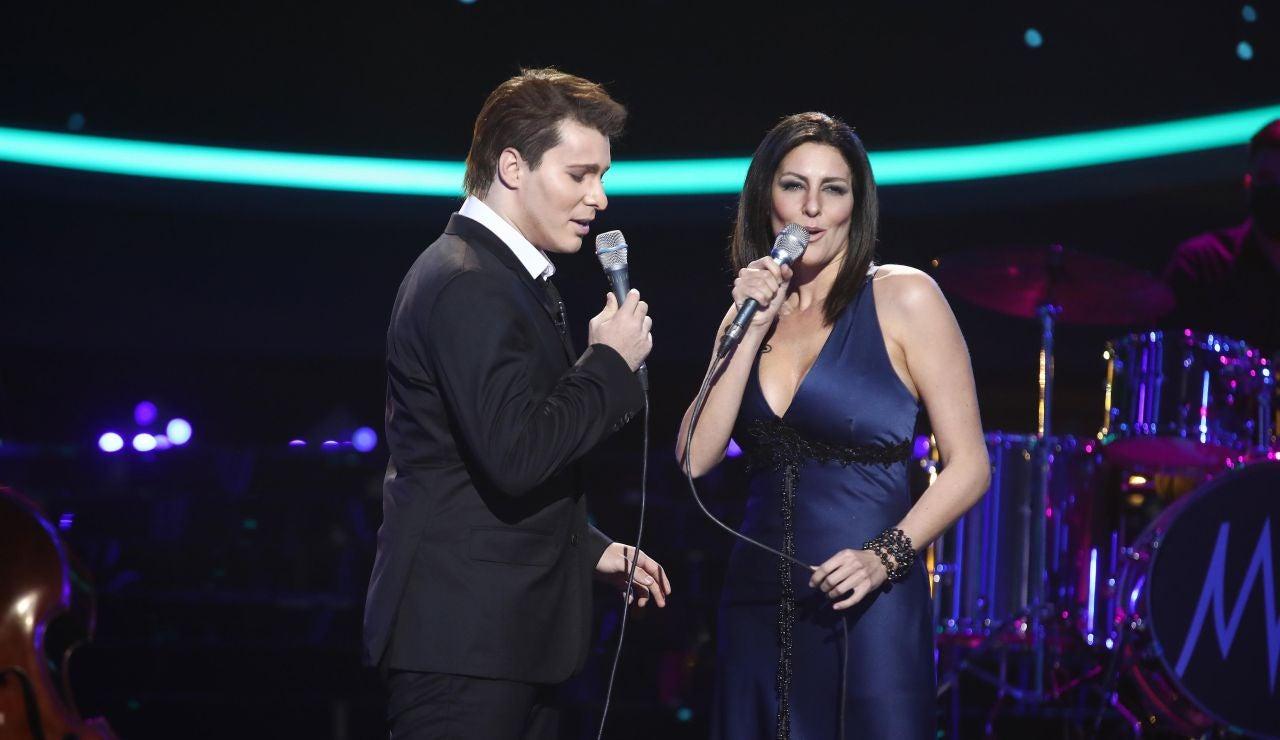 Jesús Oviedo, de Gemeliers, y Rocío Madrid derrochan pasión como Michael Bublé y Laura Pausini con 'You'll never find another love like mine'
