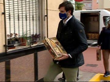 El ayuntamiento de Beniflá regala cestas de Navidad a los vecinos