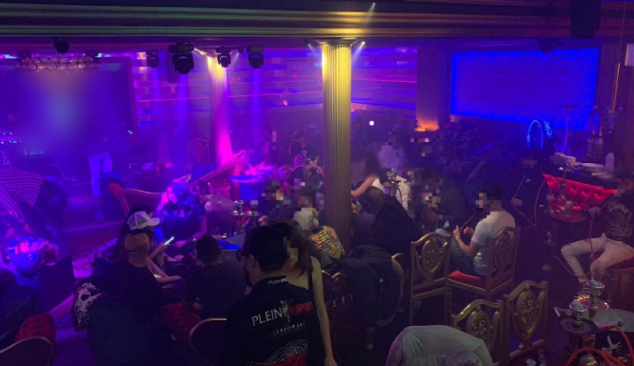 Fiesta ilegal desalojada en Barcelona