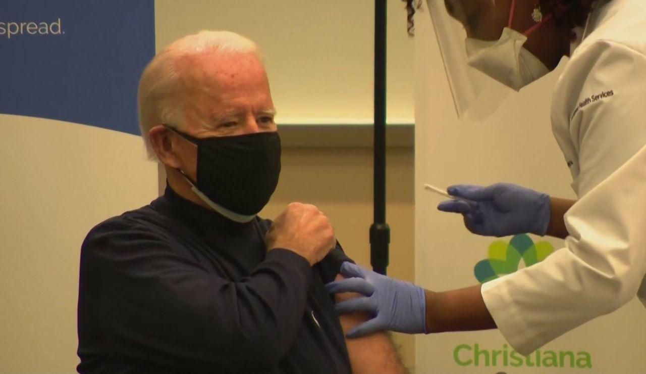 Joe Biden y su mujer reciben la vacuna contra el coronavirus