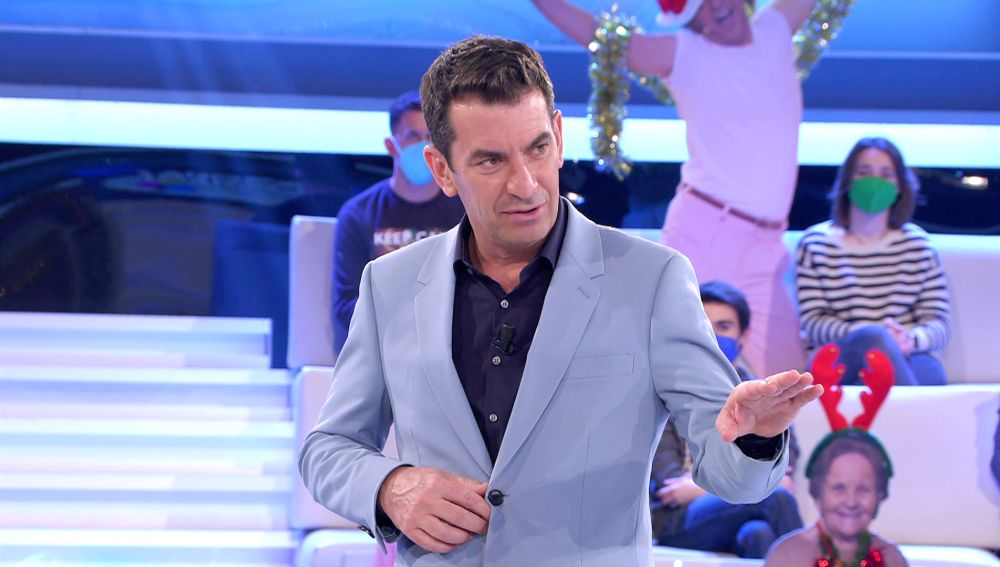 """""""¿Esto lo habéis dicho?"""": El apuro de Arturo Valls por su mala memoria con una concursante de '¡Ahora caigo!'"""