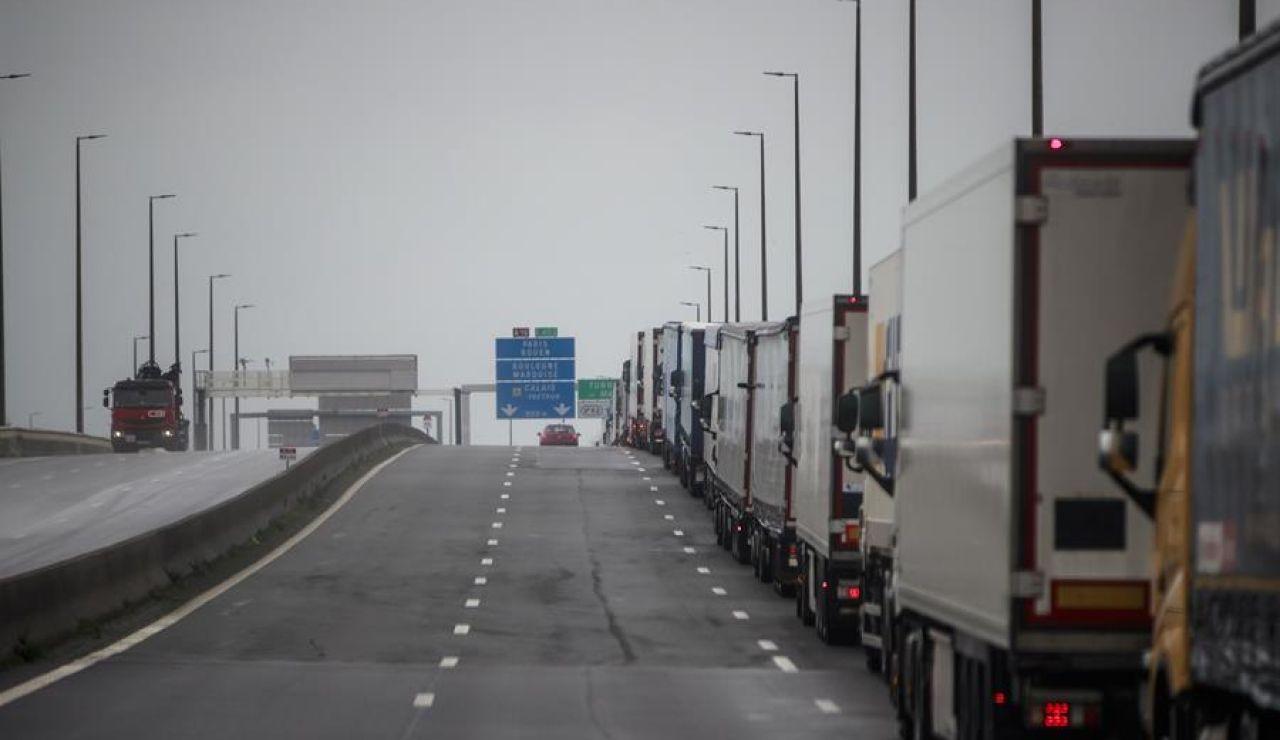 Francia reabrirá la frontera con Reino Unido pero exigirá un prueba negativa de coronavirus