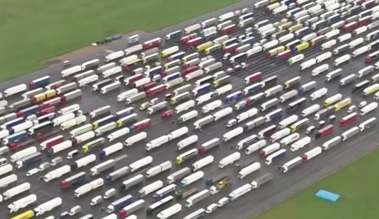 Camioneros bloqueados en Reino Unido