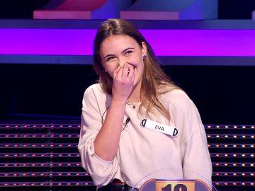 """Arturo Valls consigue sonrojar a una concursante al descubrir la profesión de su novio: """"¡Qué romántico!"""""""