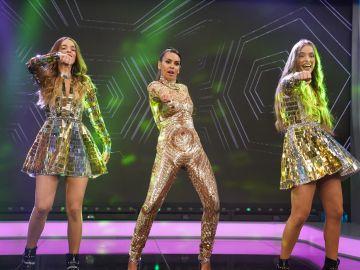 Cristina Pedroche supera de forma brillante el reto viral del baile 'Prrrum' con las Twin Melody