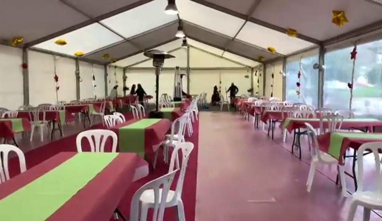 Chus, vecina de Santiago, vuelve a organizar una cena navideña para 100 personas desfavorecidas