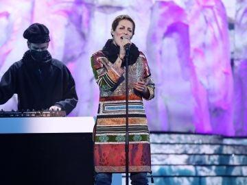 Rocío Madrid hace magia como Chambao en 'Duende del sur'