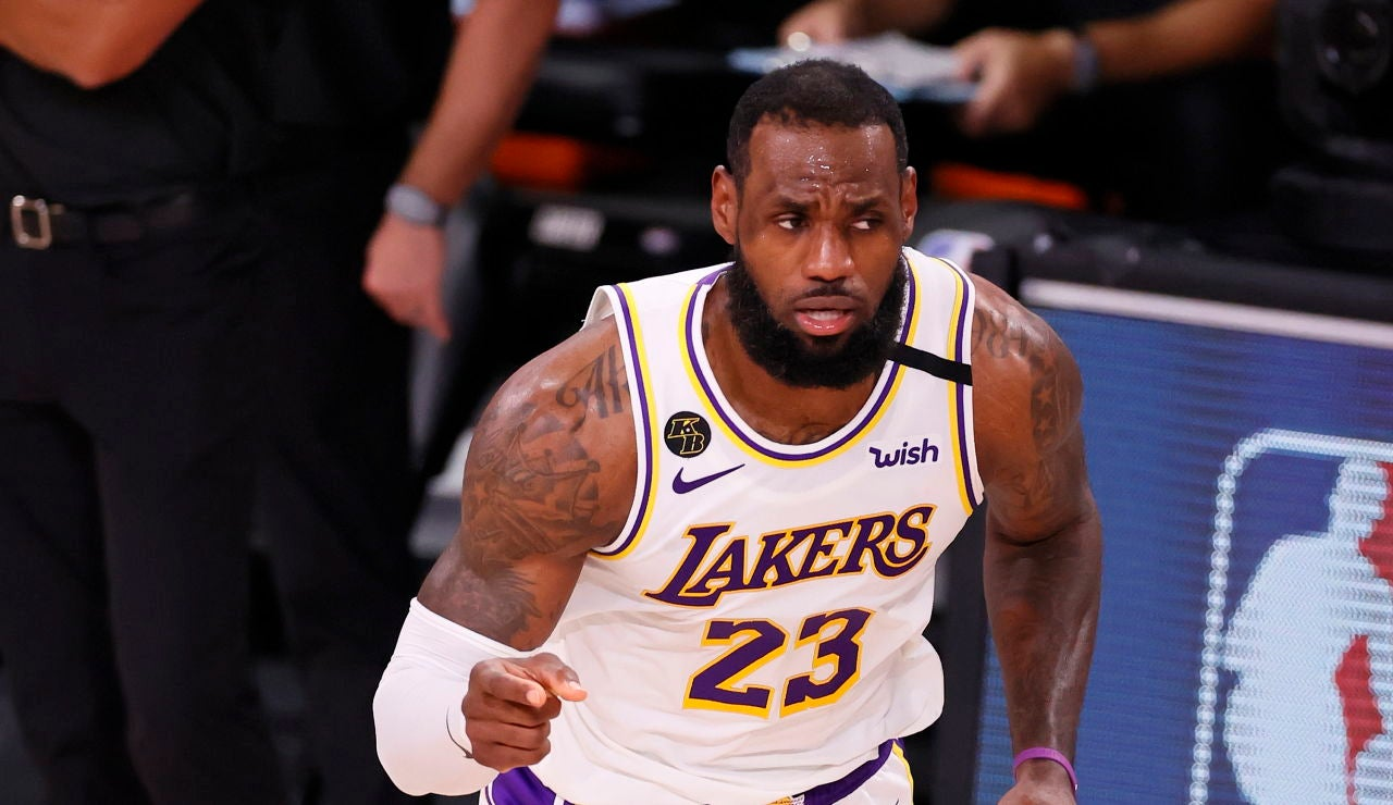 LeBron James, en acción con los Lakers