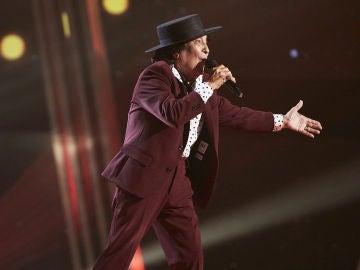 Emi Bonilla canta 'Trébole' en la Gran Final de 'La Voz Senior'