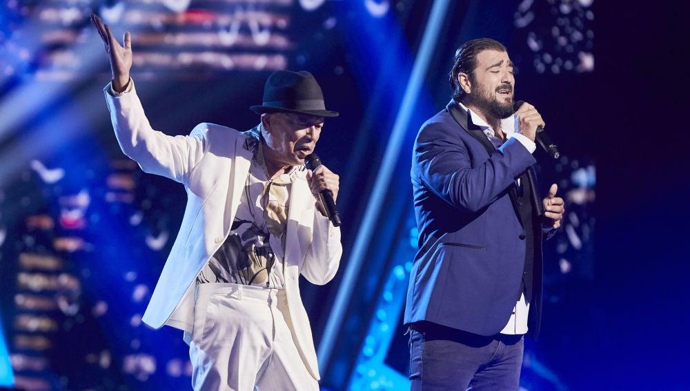 Antonio Orozco y Nico Fioole cantan 'Yesterday I heard the rain' en la Gran Final de 'La Voz Senior'