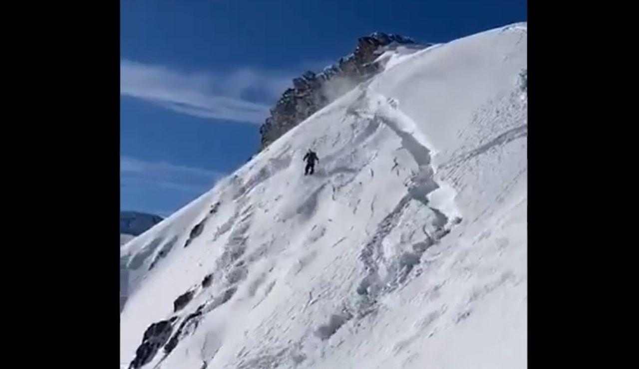 Momento de la avalancha en Astún