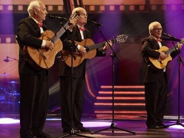 Los Tres Aries cantan 'Para toda la vida' en la Gran Final de 'La Voz Senior'