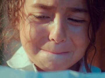 """Oykü lee una carta que cambiará su vida para siempre: """"No puedo seguir cuidando de ti, encuentra a tu padre"""""""
