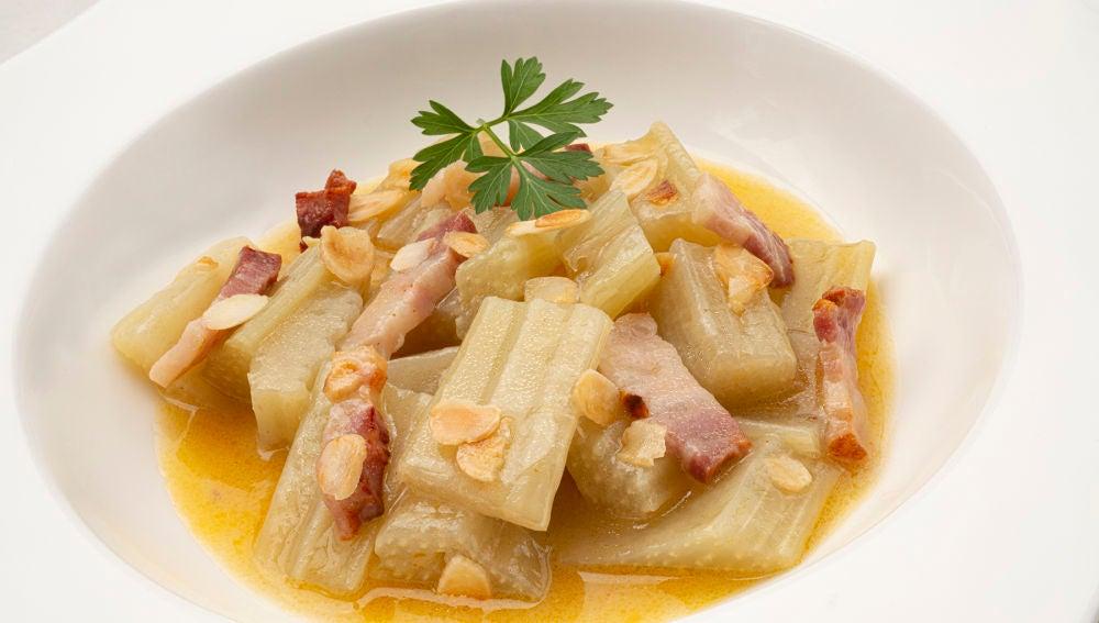 La receta de invierno de Karlos Arguiñano: cardo con panceta