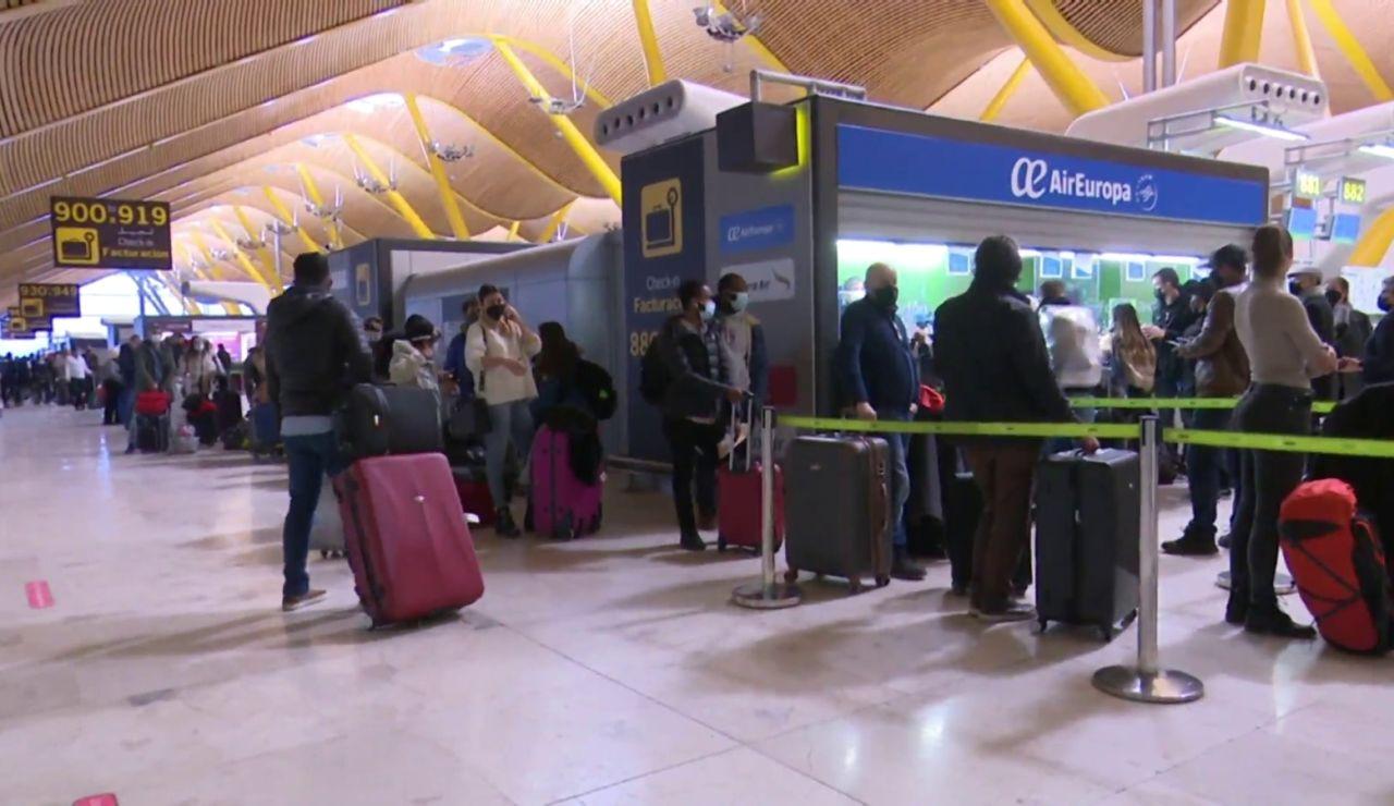 Seis días después del temporal Filomena la situación en el aeropuerto de Barajas sigue siendo caótica
