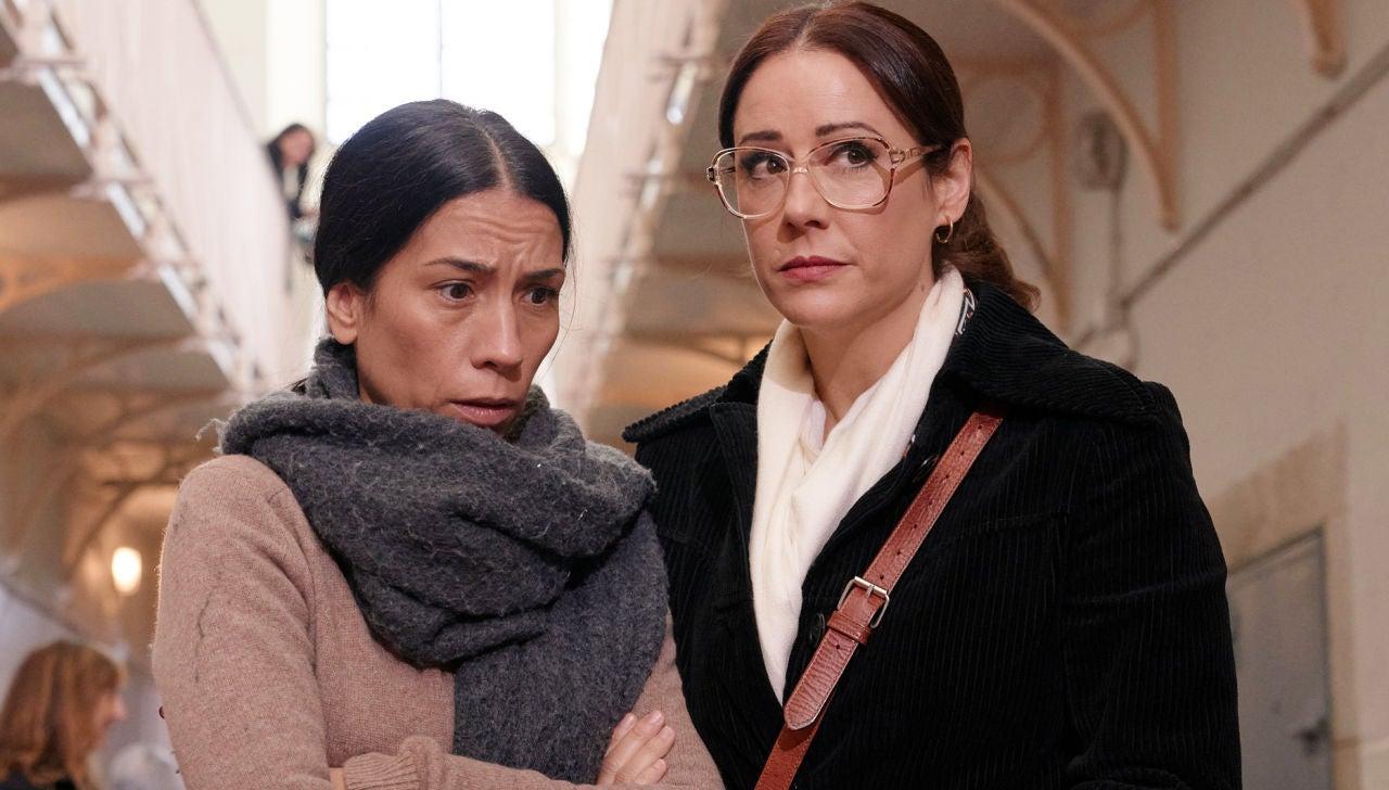Manolita, en prisión, junto a Cristina