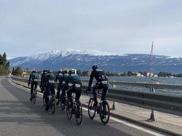 Entrenamiento de los ciclistas del Bora