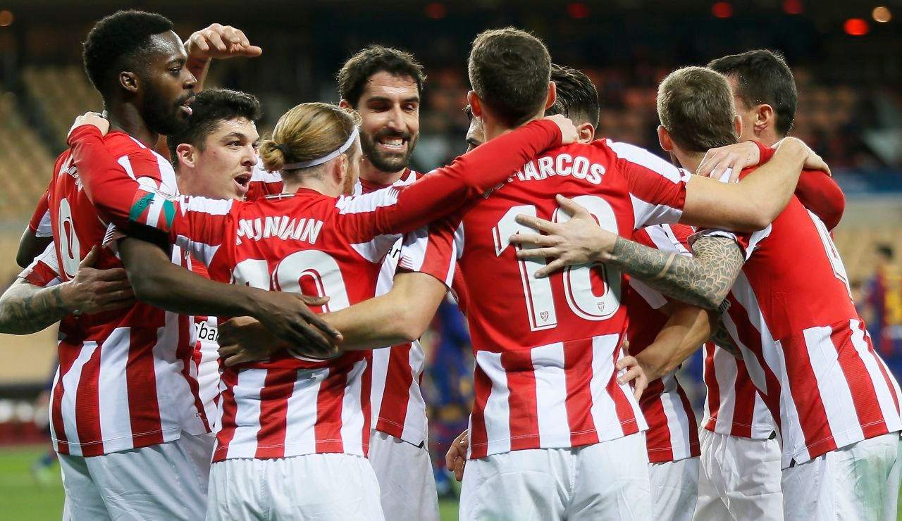 Los jugadores del Athletic celebran un gol