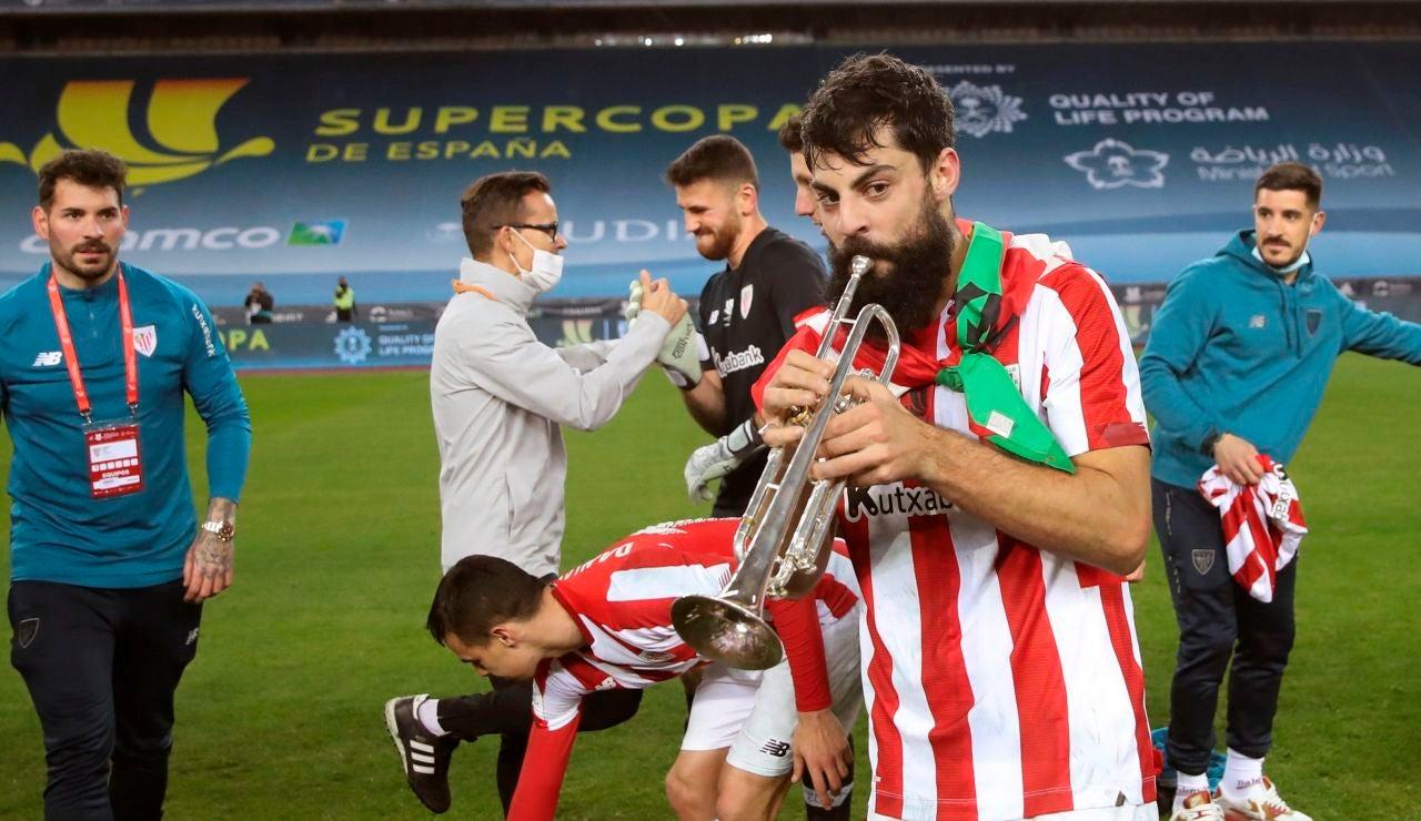 Asier Villalibre, durante la celebración del Athletic
