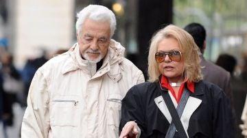 Mayra Gómez Kemp junto a su marido Alberto