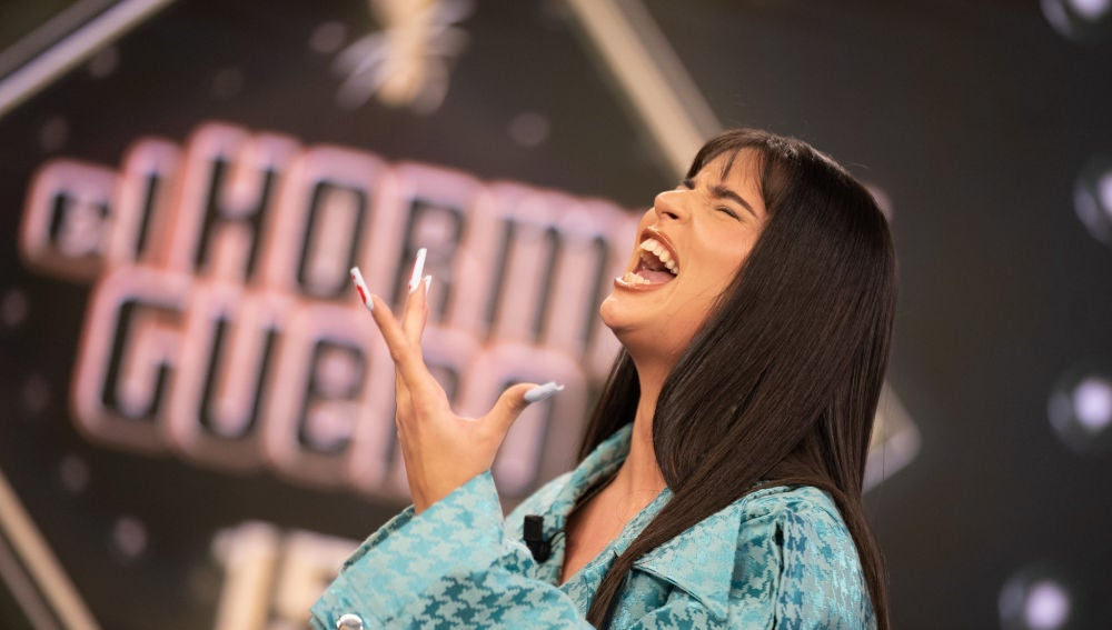 Nathy Peluso enamora en 'El Hormiguero 3.0' cantando a capella 'Puro veneno'