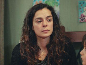 """""""¿Por qué iba a tener Sirin el teléfono de Sarp?"""": Bahar, contrariada por la idea de Nisan"""