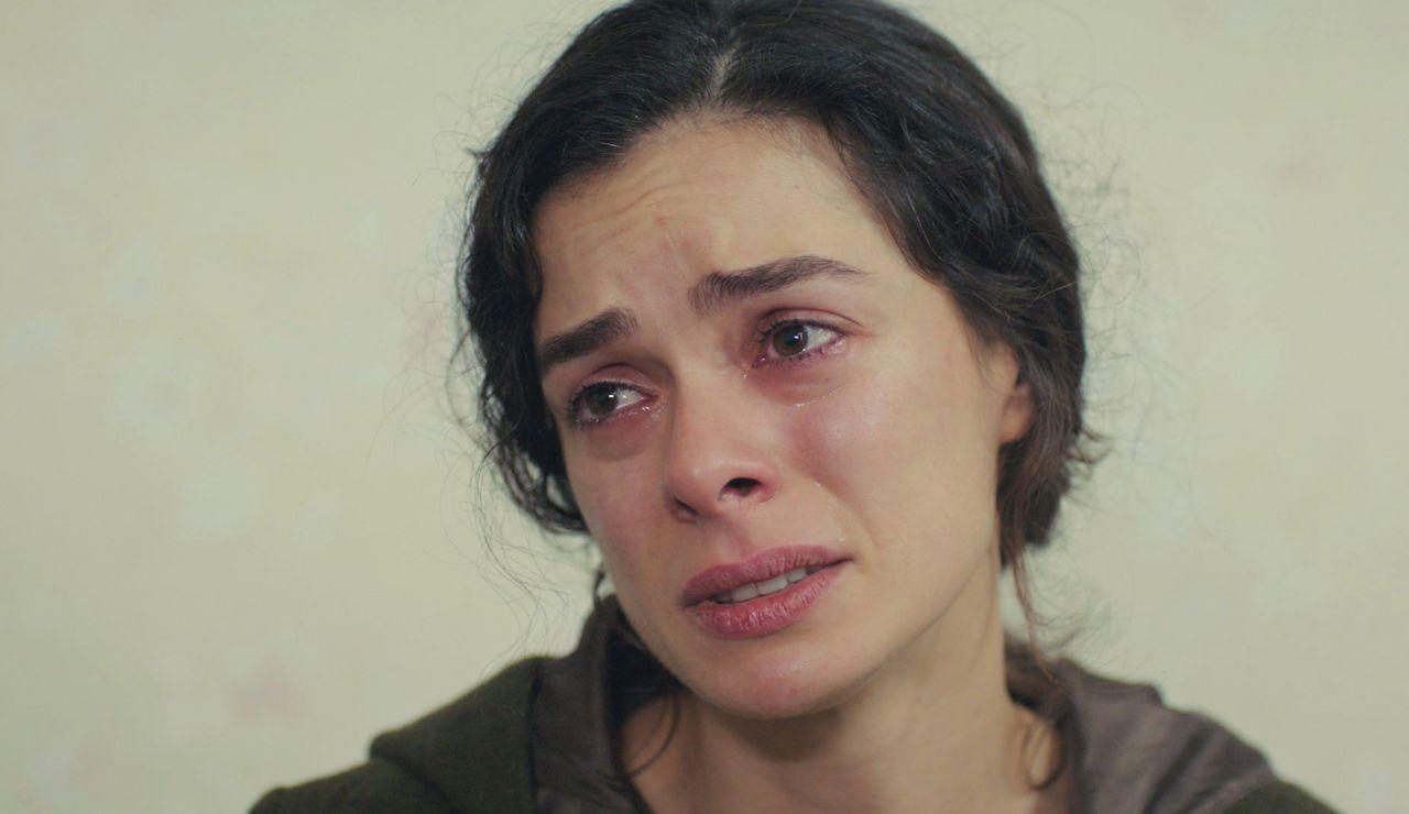 """Arif, enigmático con Bahar tras su abrazo a Sarp: """"No sé protegerte de ti misma"""""""