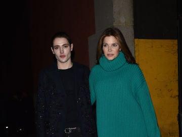 Stephanie Seymour junto a su hijo, Harry Brant