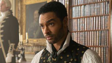 Rege-Jean Page como Simon Basset, el duque de Hastings, en 'Los Bridgerton'