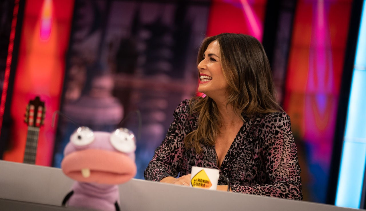 Nuria Roca supera la vergüenza en 'El Hormiguero 3.0' y se lanza a cantar en directo