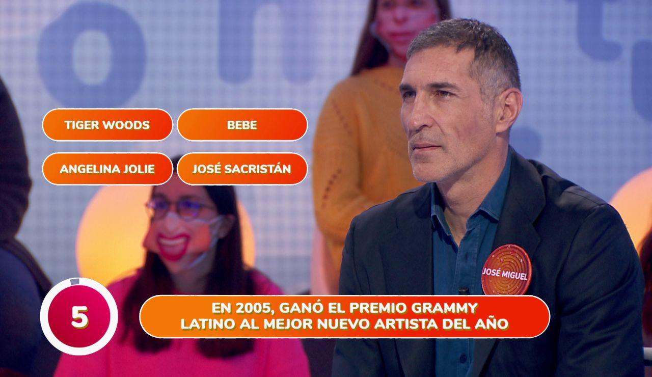 """Bebe hace dudar a José Miguel Antúnez en 'Una de Cuatro': """"¡Sobre la bocina!"""""""