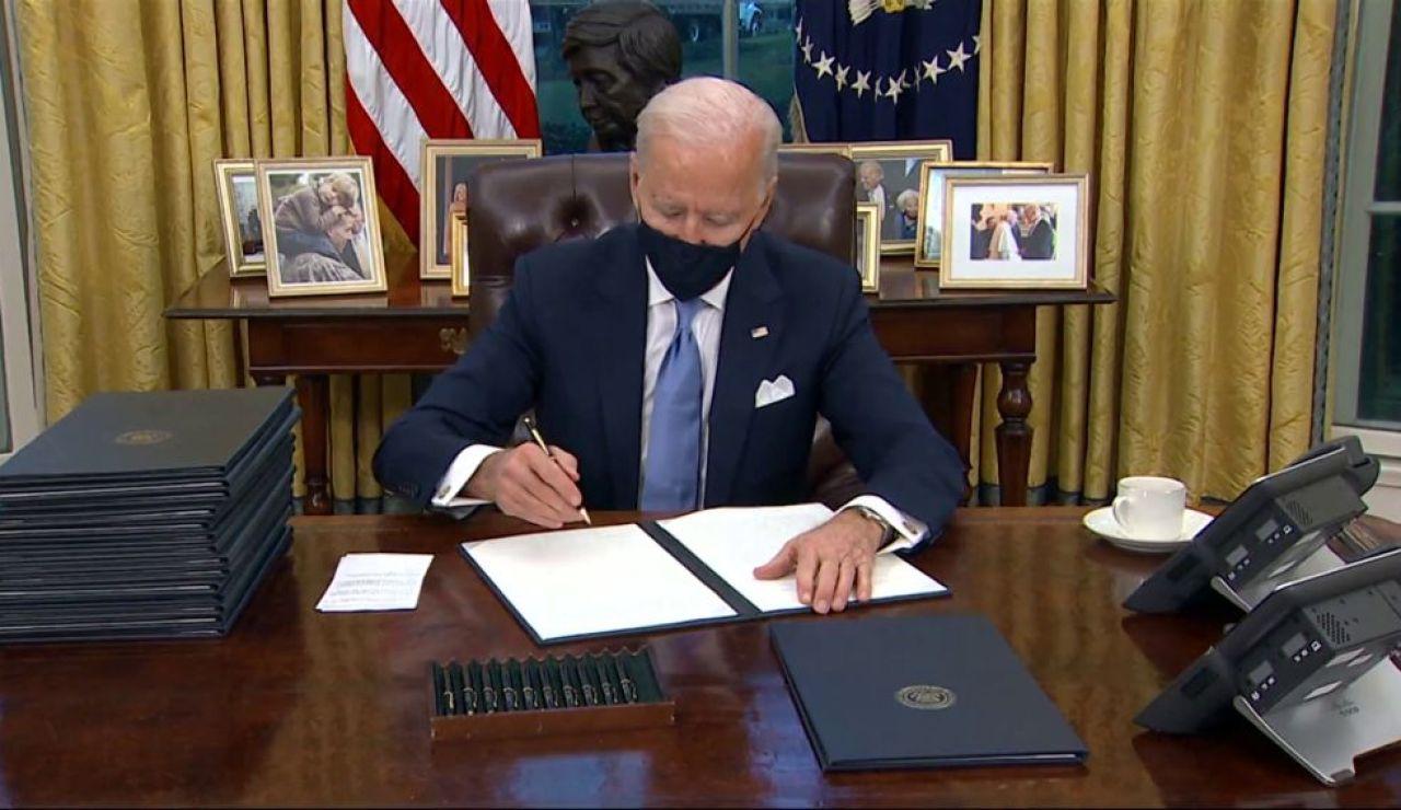 A3 Noticias 1 (21-01-21) Joe Biden estrena su presidencia con la firma de 15 decretos para revertir las políticas de Donald Trump