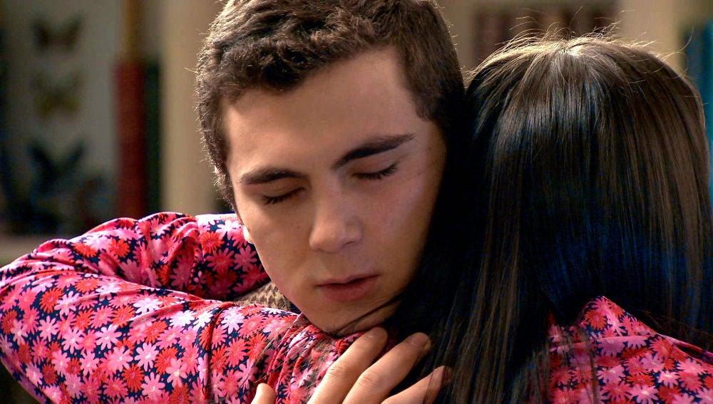 """Emma y Manolín, más unidos que nunca: """"Te necesito"""""""