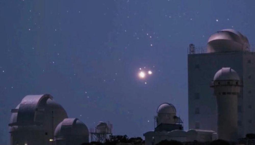 Así fue la superconjunción planetaria histórica de Júpiter y Saturno vista desde el Teide