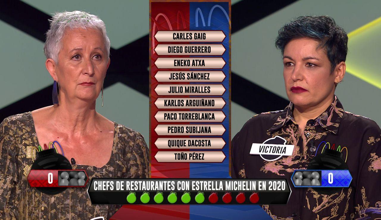 Un tenso desempate entre Montse, de 'Los caligaris', y Victoria, de 'Los dispersos', en fase táctica de la final de 'La liga de los millonarios'