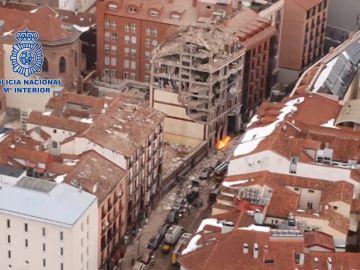 Imagen aérea del colegio en la zona de la explosión en Madrid