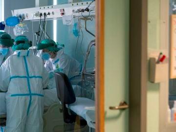 Un neumólogo advierte de lo que pasará en 10 días tras advertir la primera ola del coronavirus en marzo