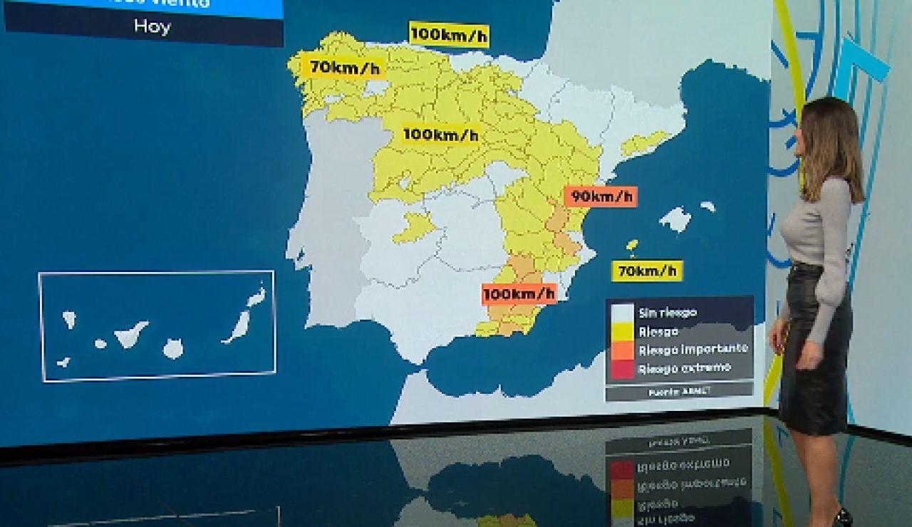 La previsión del tiempo: La borrasca Ignacio dejará lluvias y rachas de viento que podrían alcanzar los 110 km/h