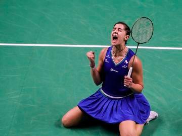 Carolina Marín celebra efusivamente su título en Tailandia