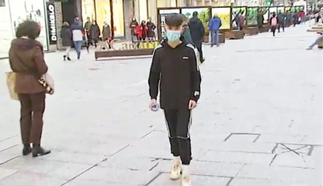 Xoán, niño al que robaron zapatillas en Vigo
