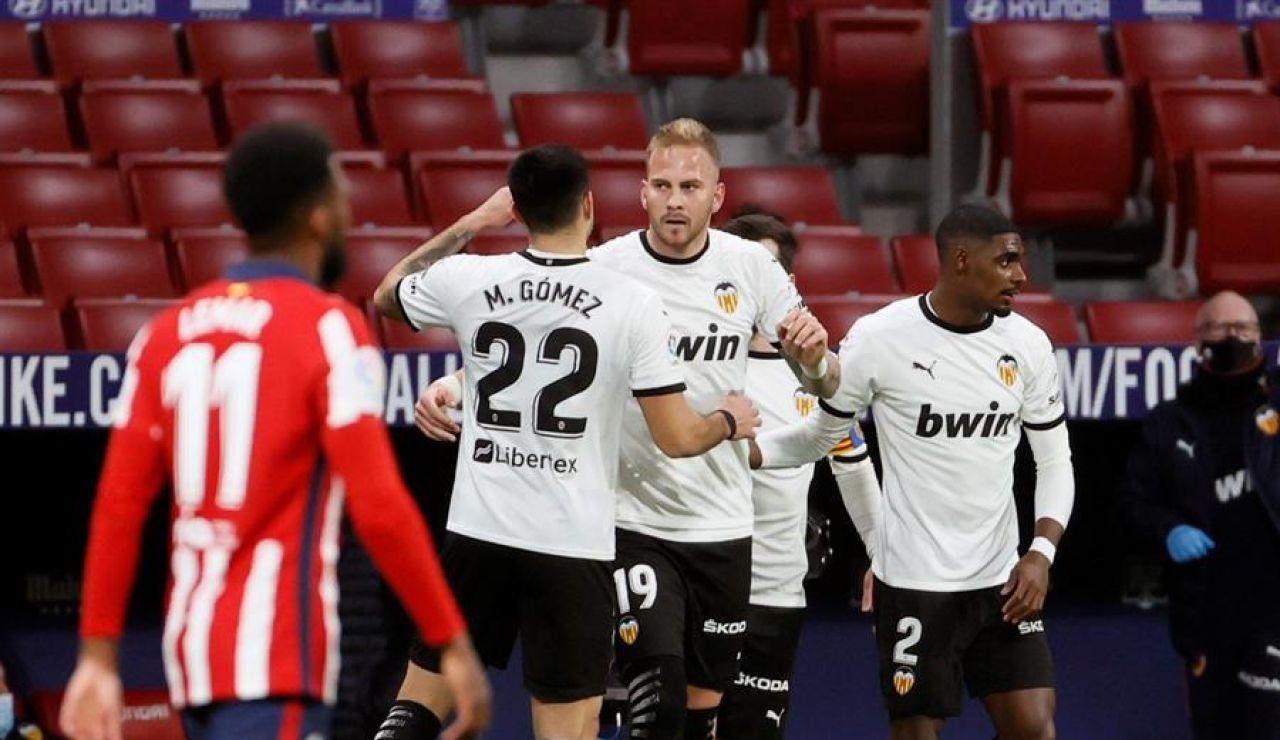 El Valencia confirma un caso caso de positivo por coronavirus tras su partido contra el Atlético de Madrid