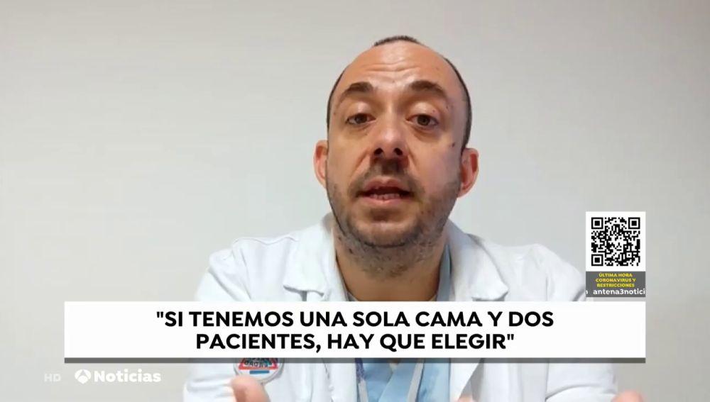 """Eduardo Fernández, enfermero: """"Si tenemos una sola cama UCI y dos pacientes que la necesitan hay que elegir"""""""