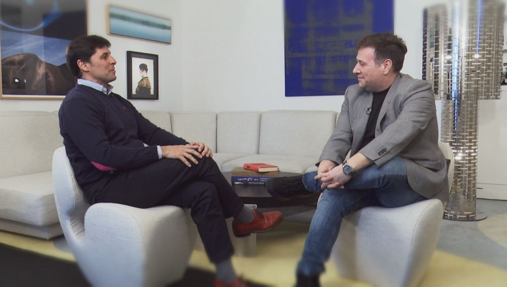 Fran Rivera entrevista a Carlos Latre.