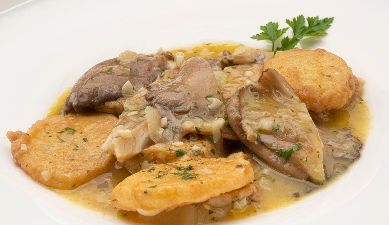 La receta barata, fácil y rápida de Arguiñano: patatas a la importancia con setas