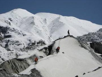 """Sin rastros de los tres alpinistas desaparecidos en el K2 hace 3 días: """"No tengo esperanzas de que estén vivos"""""""