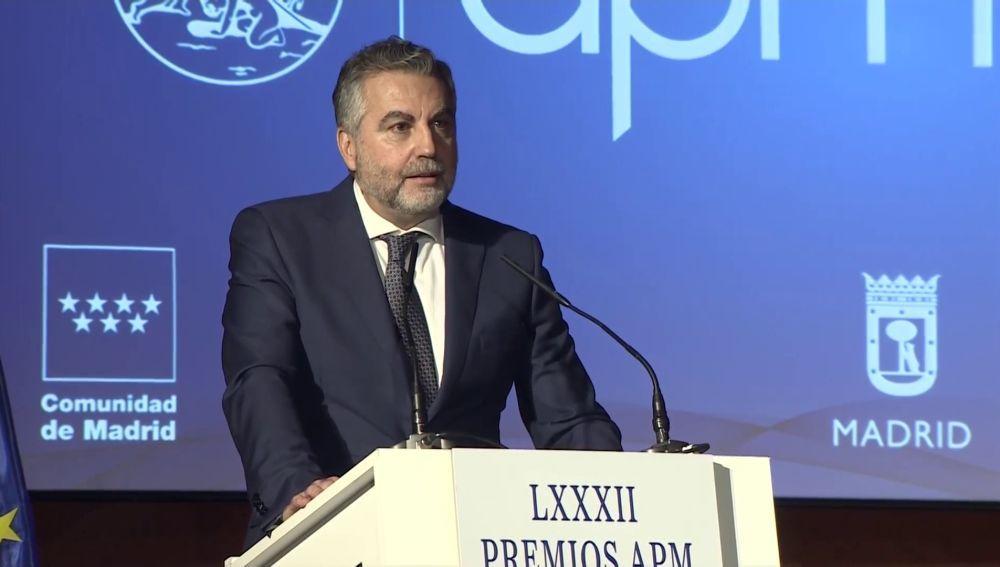 Carlos Alsina durante su discurso tras recibir el premio al mejor periodista del año 2020