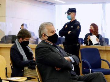 laSexta Noticias 14:00 (09-02-21) El abogado del PP de Casado se reunió una docena de veces con un contacto de Bárcenas