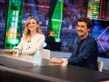 Javier Veiga sale de una situación comprometida un mensaje de amor hacia Marta Hazas